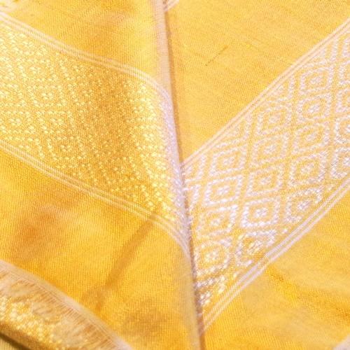 Goldgelb mit kleinen weißen Fransen, Klassischer Schal
